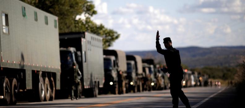 Apesar de concessões, greve dos caminhoneiros entra no 8º dia