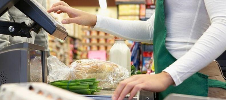 Caixa de supermercado não receberá adicional de insalubridade por manuseio de produtos de limpeza